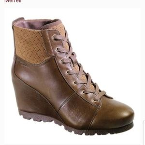 Merrell Lexi wedgetarian brown leather boots 8